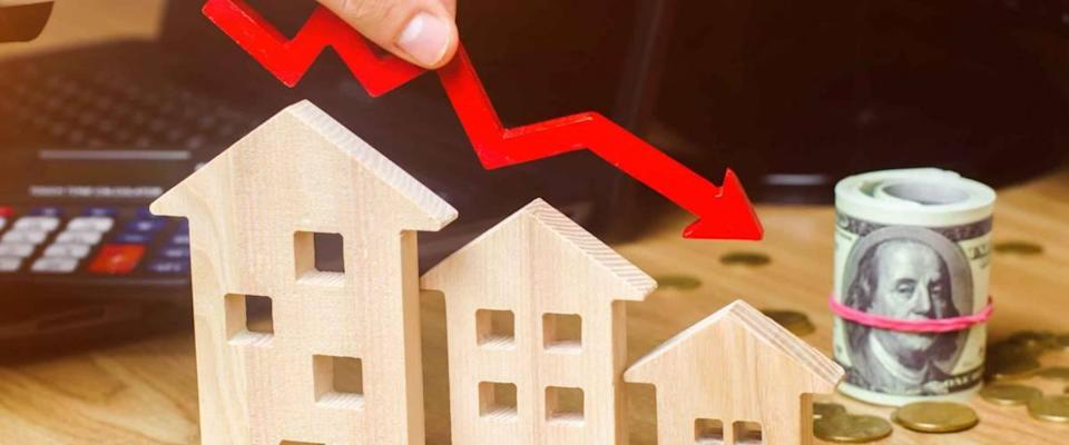The concept of falling mortgage rates