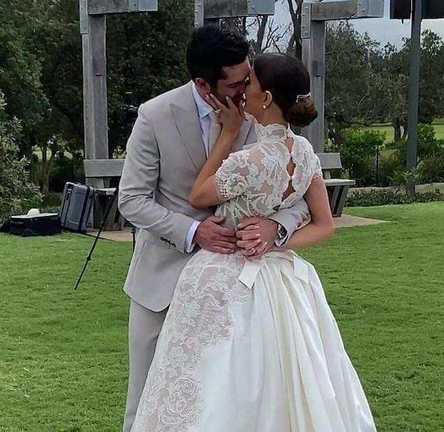 Aussie model Erin Holland and cricketer Ben Cutting wed in a luxe Byron Bay ceremony