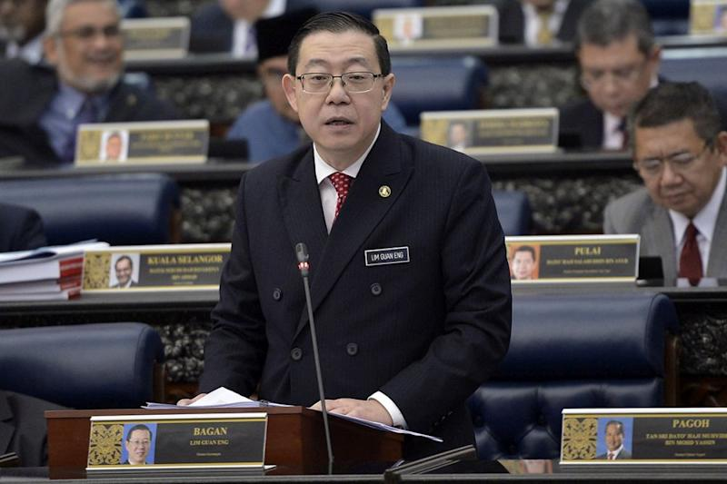 On Friday, Finance Minister Lim Guan Eng announced that motorcyclists will no longer be charged when crossing the Penang's two bridges and the Second Link to Singapore. ― Picture by Mukhriz Hazim
