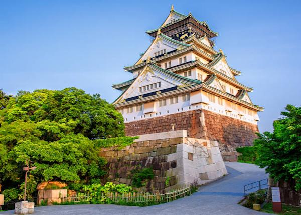 A beautiful castle in Osaka (that you'd miss if you only stayed in Tokyo!)