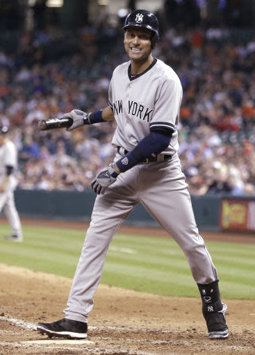Jeter gets day off; Yanks endure bumpy flight