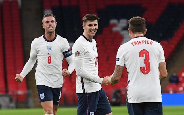Mason Mount celebrates his winner with team-mates - SHUTTERSTOCK