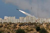 Gaza militants launch rockets into the sea in major exercise