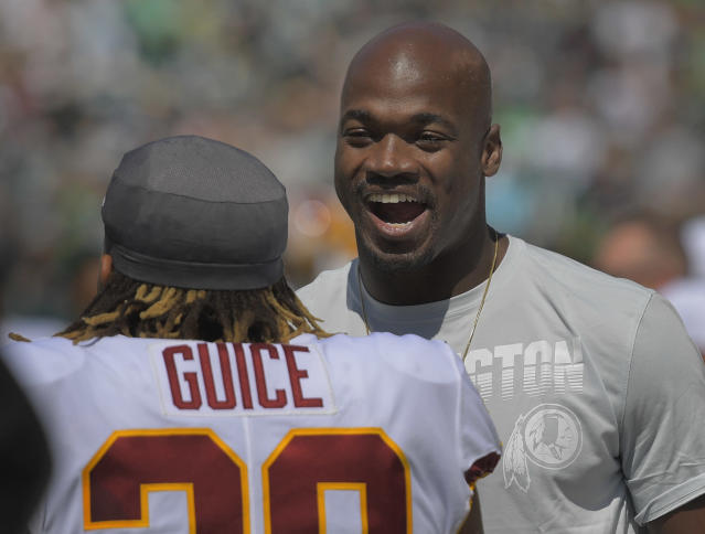 Adrian Peterson is set for a heavy workload with Derrius Guice landing on IR. (Photo by John McDonnell/The Washington Post via Getty Images)
