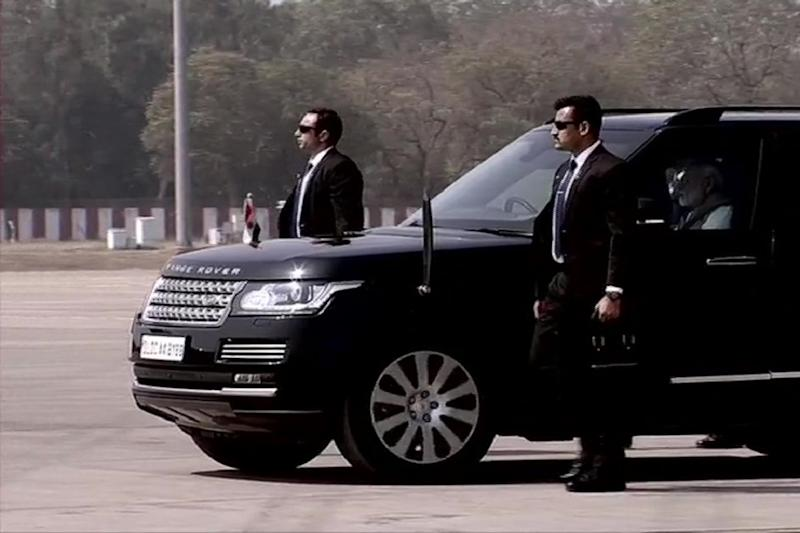 Namaste Trump: PM Modi Arrives in a Range Rover SUV to Receive US President at Ahmedabad Airport