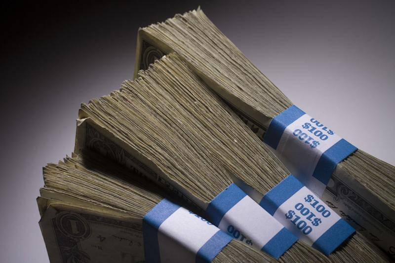 Wealthy Amass Record $121 Billion in Tax-Sheltered Accounts