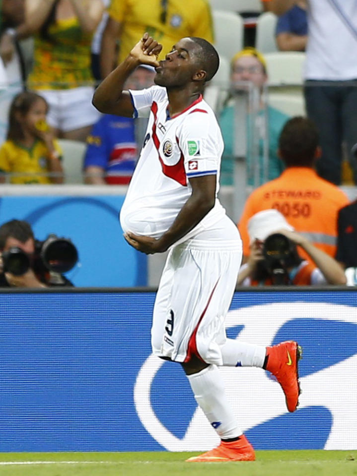 Costa Rica's Joel Campbell celebrates after scoring a goal during their 2014 World Cup Group D soccer match against Uruguay at the Castelao arena in Fortaleza June 14, 2014. REUTERS/Marcelo Del Pozo (BRAZIL - Tags: SOCCER SPORT WORLD CUP)