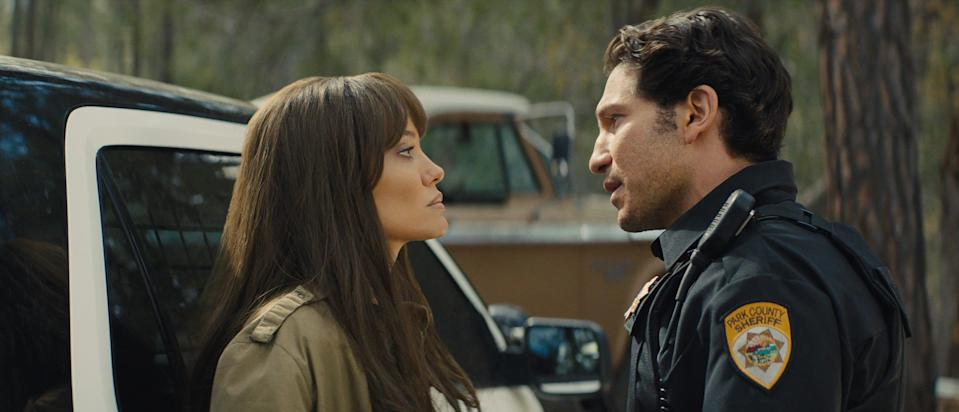 """Ethan (Jon Bernthal) has some words with Hannah (Angelina Jolie) after her parachute stunt in """"Those Who Wish Me Dead."""""""