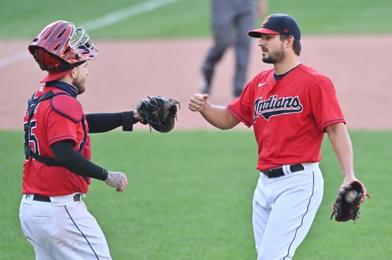 Indians edge White Sox in opener of doubleheader