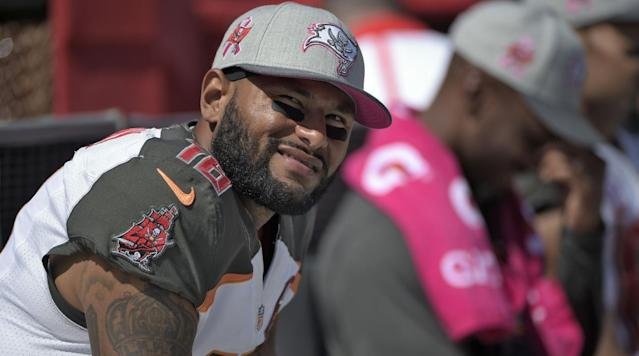 Former Buccaneers wide receiver Louis Murphy was arrested Wednesday morning at Tampa International Airport for carrying a concealed firearm, according to the Hillsborough County Sheriff's Office.