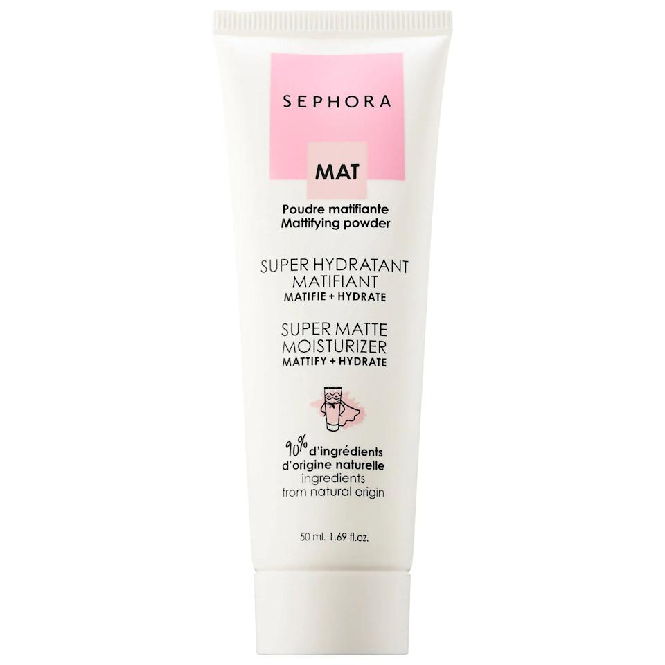 <p>This matte-finish moisturizer keeps excess oil under control while the hyaluronic acid in it simutaneously hydrates skin. </p>