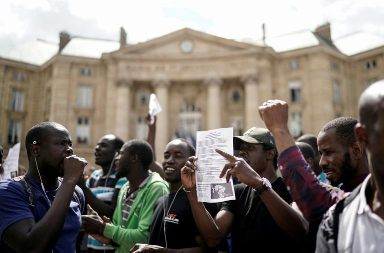 Hundreds of undocumented migrants entered the Pantheon in Paris while others stayed outside demanding that the French authorities move to regularise their situation
