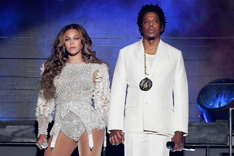 PASADENA, CA - SEPTEMBER 22: Beyonce (L) and JAY-Z perform onstage during the 'On The Run II' Tour at Rose Bowl on September 22, 2018 in Pasadena, California. (Photo by Larry Busacca/PW18/Getty Images for Parkwood Entertainment)