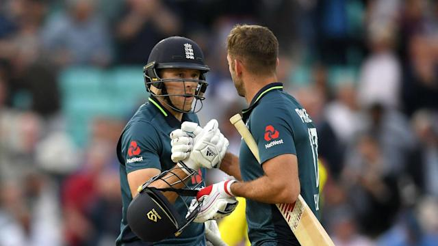 David Willey hit an unbeaten 35 to help England past their 215-run target and secure a 1-0 ODI series lead over Australia.
