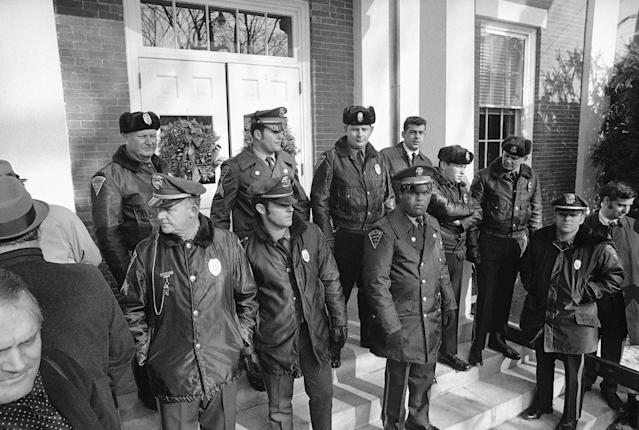<p>Police officers line steps of Dukes County Court House in Edgartown, Mass., Jan. 6, 1970, during inquest into the death of Mary Jo Kopechne who died in auto driven by Sen. Edward M. Kennedy when it plunged from bridge on Chappaquiddick Island and into a pond last July 18. (Photo: AP) </p>
