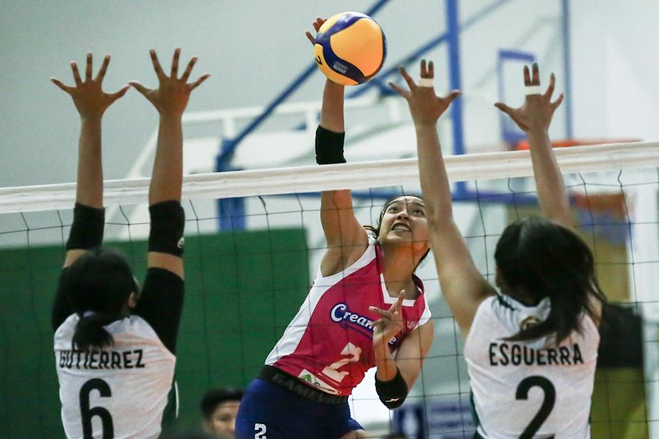 Alyssa Valdez pulls Creamline out of danger against Black Mamba-Army in the 2021 Premier Volleyball League (PVL) Open Conference. (Photo: PVL Media Bureau)