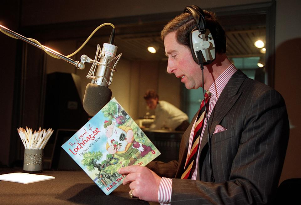 PA NEWS PHOTO 10/2/93  THE PRINCE OF WALES RECORDING THE VOICE-OVER FOR THE 1/2 HOUR FILM OF