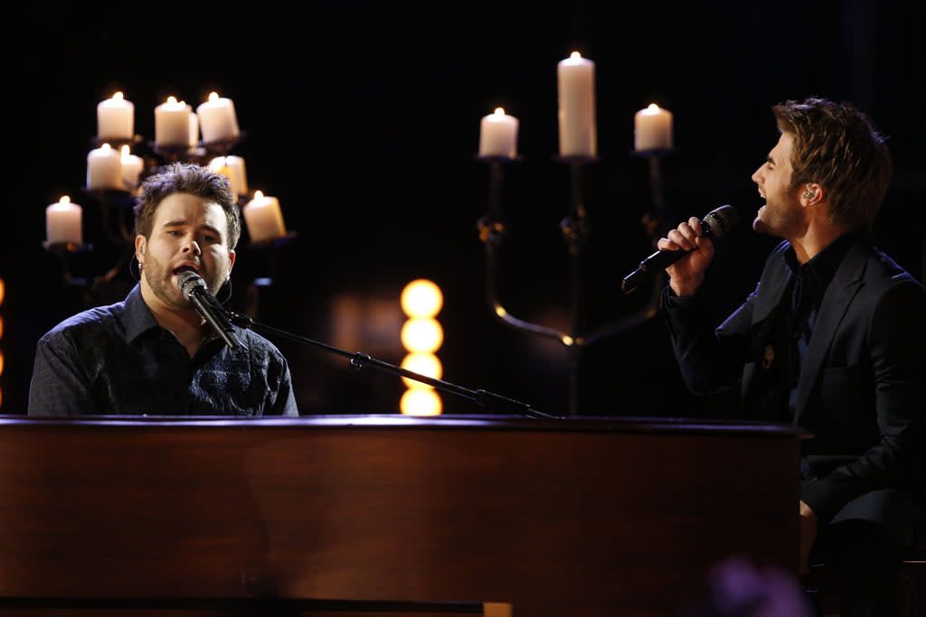 "The Swon Brothers perform ""Danny's Song"" on ""The Final Live Performances"" episode of ""The Voice"" Season 4."