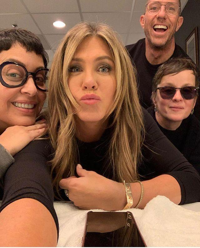 """<p>Aniston told <a href=""""https://people.com/bodies/how-jennifer-aniston-stays-motivated-to-exercise/"""" rel=""""nofollow noopener"""" target=""""_blank"""" data-ylk=""""slk:People"""" class=""""link rapid-noclick-resp"""">People</a> that she usually takes off on Sundays to give herself a little time to recover from all the badassery she drops at the gym the rest of the week.</p><p><a href=""""https://www.instagram.com/p/B4KXVv_h4Md/?utm_source=ig_embed&utm_campaign=loading"""" rel=""""nofollow noopener"""" target=""""_blank"""" data-ylk=""""slk:See the original post on Instagram"""" class=""""link rapid-noclick-resp"""">See the original post on Instagram</a></p>"""