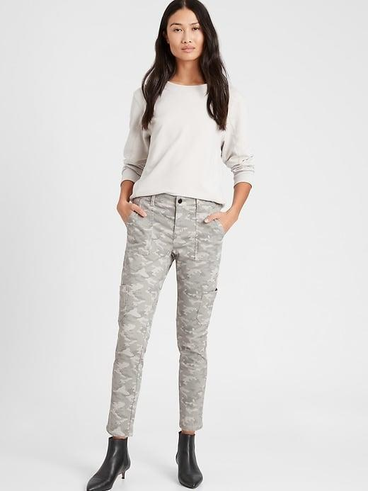 <p>There's also a charcoal version, but we love the light gray <span>Banana Republic Mid-Rise Skinny Cargo Chino</span> ($90) now.</p>