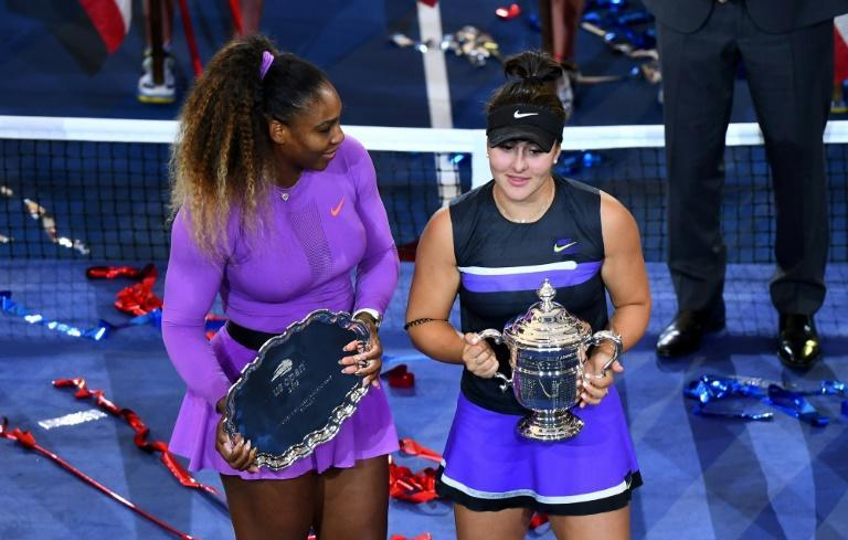Bianca Andreescu (right) and Serena Williams at the 2019 US Open trophy presentation