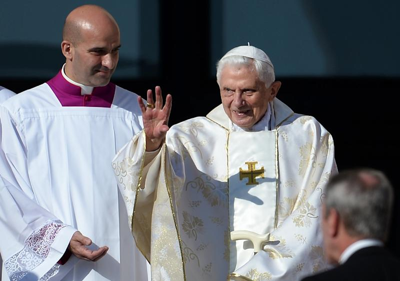 Pope Emeritus Benedict XVI attends a papal mass for the beatification of Paul VI, who died in 1978, in St Peter's square on October 19, 2014 (AFP Photo/Filippo Monteforte, Filippo Monteforte)