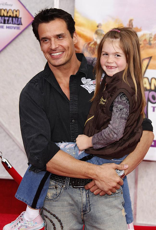 "<a href=""http://movies.yahoo.com/movie/contributor/1800317090"">Antonio Sabato Jr.</a> and daughter Mina at the Los Angeles premiere of <a href=""http://movies.yahoo.com/movie/1810025272/info"">Hannah Montana The Movie</a> - 04/02/2009"