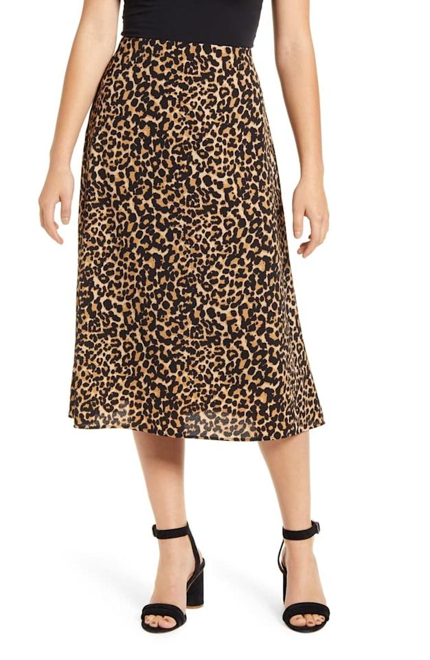 "<p><a href=""https://www.popsugar.com/buy/Loveappella-Palm-Print-Midi-Skirt-541232?p_name=Loveappella%20Palm%20Print%20Midi%20Skirt&retailer=shop.nordstrom.com&pid=541232&price=35&evar1=fab%3Aus&evar9=47116603&evar98=https%3A%2F%2Fwww.popsugar.com%2Fphoto-gallery%2F47116603%2Fimage%2F47118176%2FLoveappella-Palm-Print-Midi-Skirt&list1=shopping%2Ceditors%20pick%2Cwinter%20fashion%2Csale%20shopping&prop13=api&pdata=1"" rel=""nofollow"" data-shoppable-link=""1"" target=""_blank"" class=""ga-track"" data-ga-category=""Related"" data-ga-label=""https://shop.nordstrom.com/s/loveappella-palm-print-midi-skirt/5479413/full?origin=category-personalizedsort&amp;breadcrumb=Home%2FSale%2FWomen%2FNew%20Markdowns&amp;color=black%20white%20dot"" data-ga-action=""In-Line Links"">Loveappella Palm Print Midi Skirt</a> ($35, originally $59)</p>"