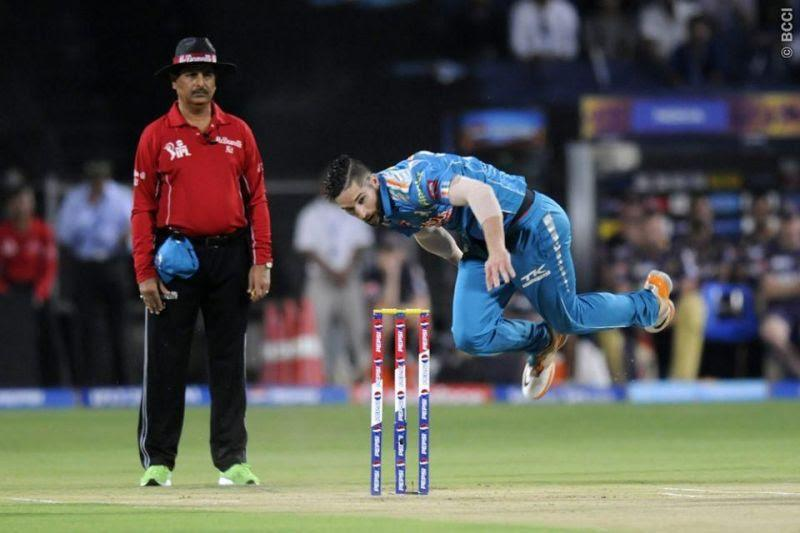 Wayne Parnell retired from international cricket in the year 2018.
