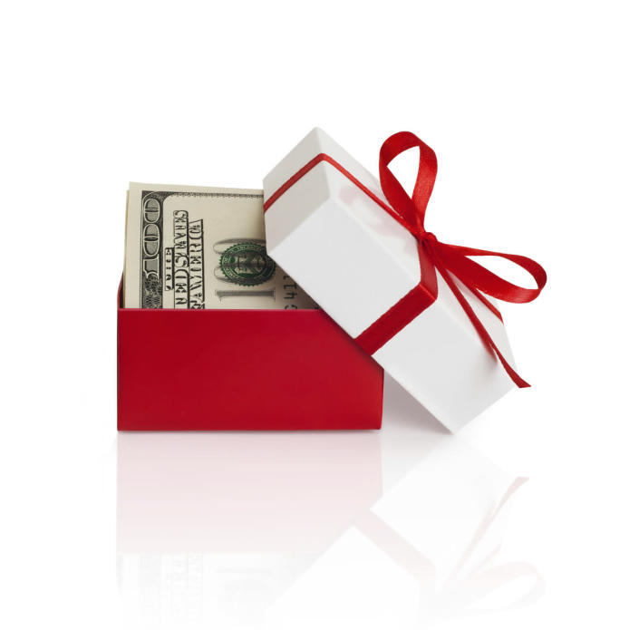 """<p>Despite the fact that gifting money makes most people uncomfortable, <a href=""""http://www.thestreet.com/story/13381649/1/why-we-love-getting-holiday-gift-cards-but-hate-giving-them.html"""" rel=""""nofollow noopener"""" target=""""_blank"""" data-ylk=""""slk:according to the National Retail Federation's National Gift Card Spending Survey"""" class=""""link rapid-noclick-resp"""">according to the National Retail Federation's National Gift Card Spending Survey</a>, 58.8 percent of shoppers said that they would actually like to receive a gift card. So what can we do to make this perfectly acceptable exchange less awkward and a little more fun? We've rounded up some creative, thoughtful ideas for presenting your loved ones with cold, hard cash. <i>(Photo: <a href=""""http://www.thinkstockphotos.com/"""" rel=""""nofollow noopener"""" target=""""_blank"""" data-ylk=""""slk:Thinkstock"""" class=""""link rapid-noclick-resp"""">Thinkstock</a>)</i><br></p>"""