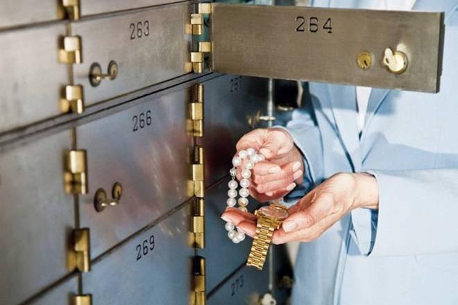bank lockers, bank locker insurance policy, bank locker insurance, bank locker news, bank locker insurance in india, bank locker insurance policy, bank locker security system, iffco tokio insurance, Mumbai bank locker robbery, BoB, bank of baroda, RBI, bank lockers not safe, insurance for bank lockers, insurance for valuables, are the things completely safe in bank lockers