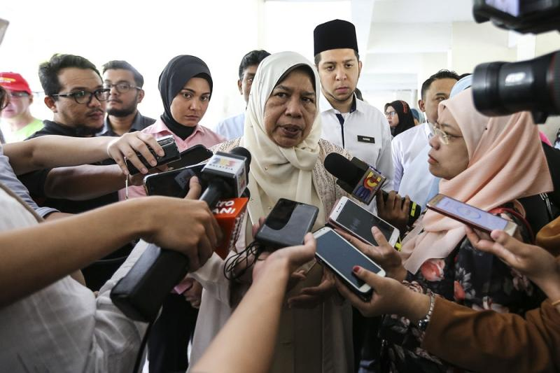Housing and Local Government Minister Zuraida Kamaruddin speaks to reporters after a social visit at Kota Damansara PPR flats in Petaling Jaya September 14, 2018. ― Picture by Hari Anggara