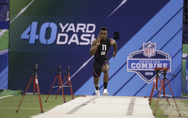 "Tennessee defensive back <a class=""link rapid-noclick-resp"" href=""/ncaaf/players/240261/"" data-ylk=""slk:Rashaan Gaulden"">Rashaan Gaulden</a> runs the 40-yard dash during the NFL football scouting combine, Monday, March 5, 2018, in Indianapolis. (AP Photo/Darron Cummings)"