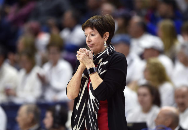 "<a class=""link rapid-noclick-resp"" href=""/ncaaw/teams/notre-dame/"" data-ylk=""slk:Notre Dame Fighting Irish"">Notre Dame Fighting Irish</a> head coach Muffet McGraw hasn't seen many wins this season and it's eating at her. (Brad Horrigan/Hartford Courant/Tribune News Service via Getty Images)"