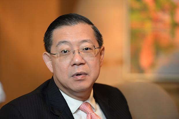 Penang Chief Minister Lim Guan Eng (pic) demanded to know why Umno and PAS did not take action or criticised MCA chairman Datuk Tan Teik Cheng for his racist statement questioning the state government's increased allocations for Islamic affairs. — Picture by K.E.Ooi