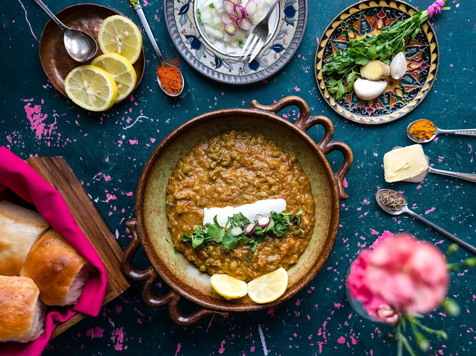 <p>Originally a quick lunch option for textile mill workers in Mumbai, pav bhaji is now a popular street food and restaurant dish all over the country</p> (Khaula Smart)