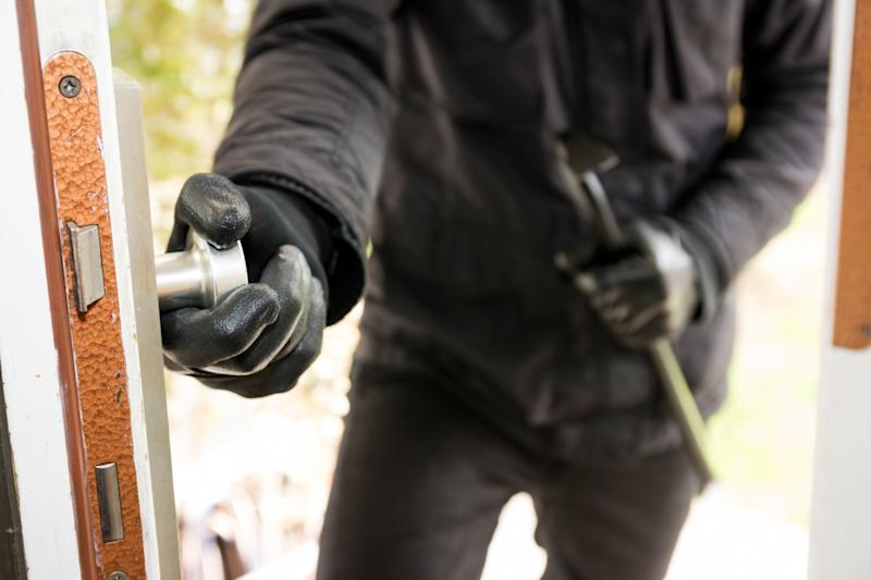Germany, North Rhine Westphalia, Burglary breaking into family home