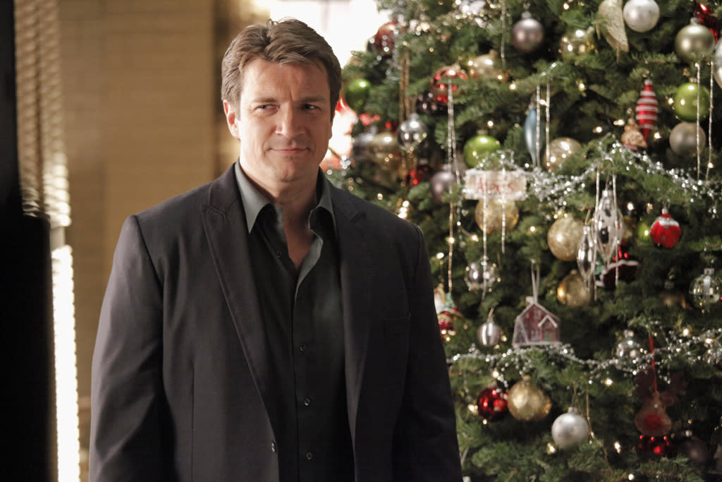 """""""Castle"""" (Monday, 12/3 at 10 PM on ABC) Reindeer? Nah, it's raining Santas, or at least one Santa, and he's not looking so ho-ho-hot when Castle and Beckett get to him in """"Secret Santa."""" The bearded man in the red suit is dead, actually, after falling from the sky in Central Park. His ID claims his name is Kris Kringle, which doesn't make the case any easier when Castle and Beckett learn this Santa is on a lot of naughty lists."""