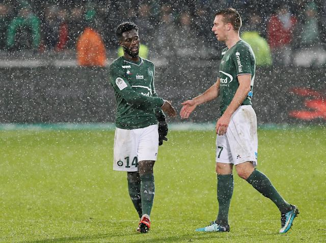 Soccer Football - Ligue 1 - AS Saint-Etienne vs Olympique de Marseille - Stade Geoffroy-Guichard, Saint-Etienne, France - February 9, 2018 St Etienne's Robert Beric shakes hands with Jonathan Bamba after the match REUTERS/Emmanuel Foudrot