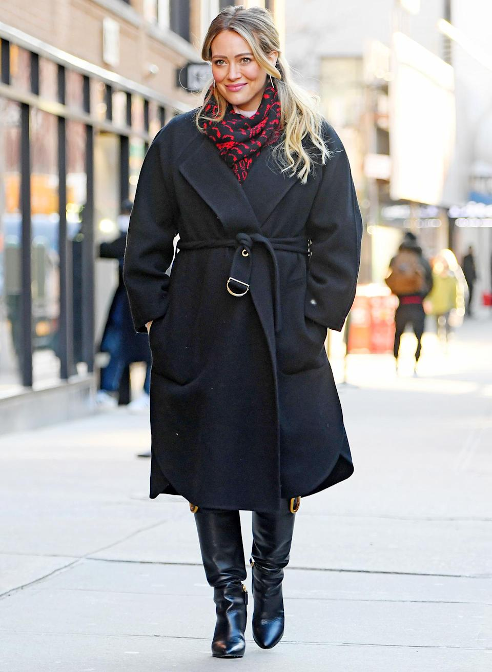 <p>A glowing Hilary Duff hits the New York City set of <em>Younger</em> on Thursday.</p>