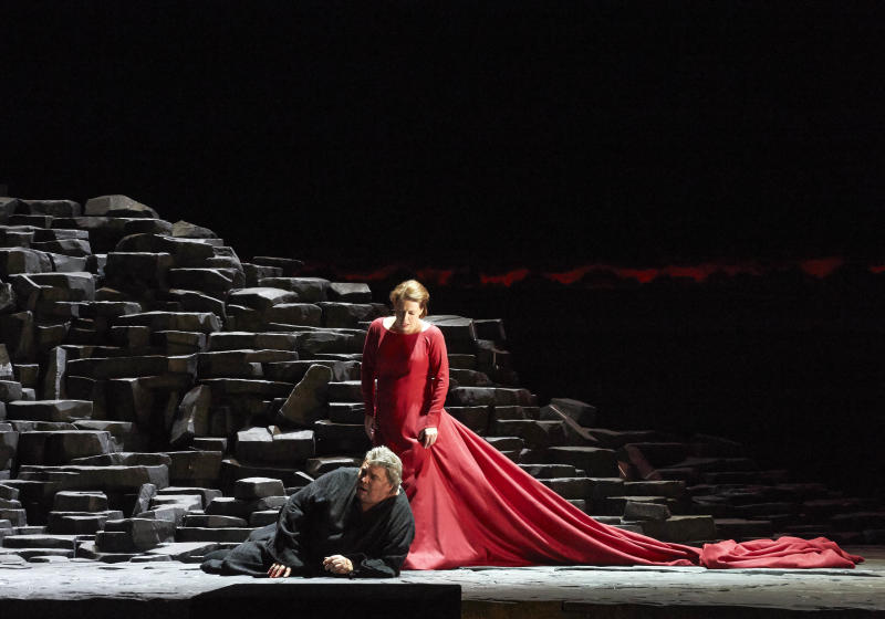 """In this picture provided by the Vienna State Opera Peter Seiffert in the role of Tristan and Nina Stemme as Isolde, from left, perform during a dress rehearsal for Richard Wagner's opera """"Tristan and Isolde"""" at the state opera in Vienna, Austria, Monday, June 3, 2013. Premiere was on Thursday, June 13, 2013. (AP Photo/Wiener Staatsoper, Michael Poehn)"""