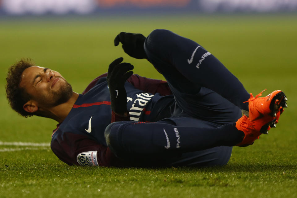 Neymar suffered a sprained ankle and a fractured foot during a 3-0 PSG win over Marseille. (Getty)