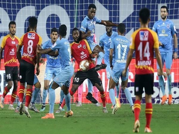It turned to be all about SCEB's spirited surge and resilience to challenge Mumbai for the win (Image: ISL)