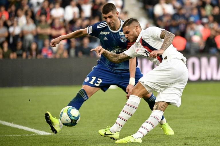 Mauro Icardi (R) made his PSG debut off the bench at the weekend following his arrival on loan from Inter