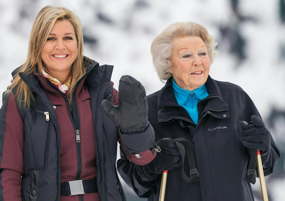 (L-R) Queen Maxima of the Netherlands and Princess Beatrix of the Netherlands pose for a picture on February 25, 2020 during their winter holiday in Lech am Arlberg in Austria. (Photo by DIETMAR STIPLOVSEK / APA / AFP) / Austria OUT (Photo by DIETMAR STIPLOVSEK/APA/AFP via Getty Images)