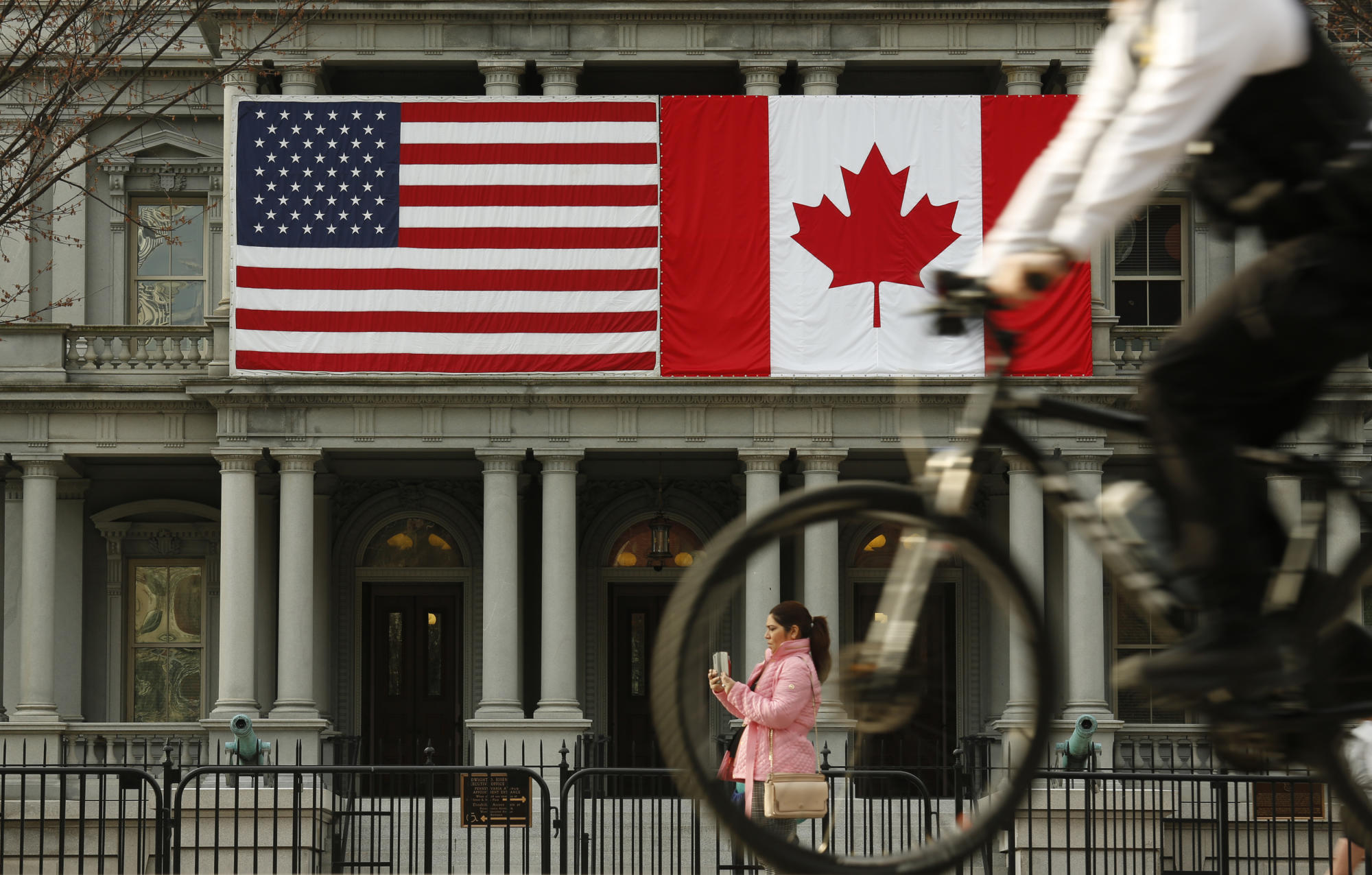 Why Canada's job market is recovering from COVID-19 faster than the United States