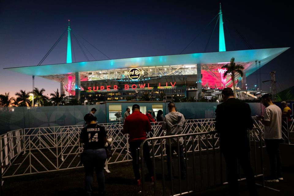 Fans are seen seen outside the Hard Rock Stadium during the Super Bowl LIV between the Kansas City Chiefs and the San Francisco 49ers in Florida, on February 2, 2020. (Photo by Eva Marie UZCATEGUI / AFP) (Photo by EVA MARIE UZCATEGUI/AFP via Getty Images)