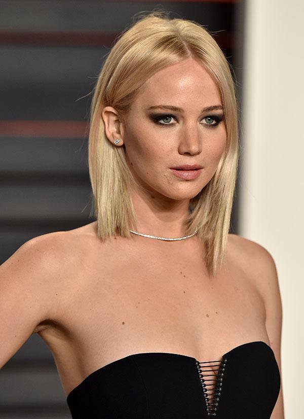 <br>Jennifer Lawrence has been rocking the blonde lob for a little while now, but she just went and look things one step further...