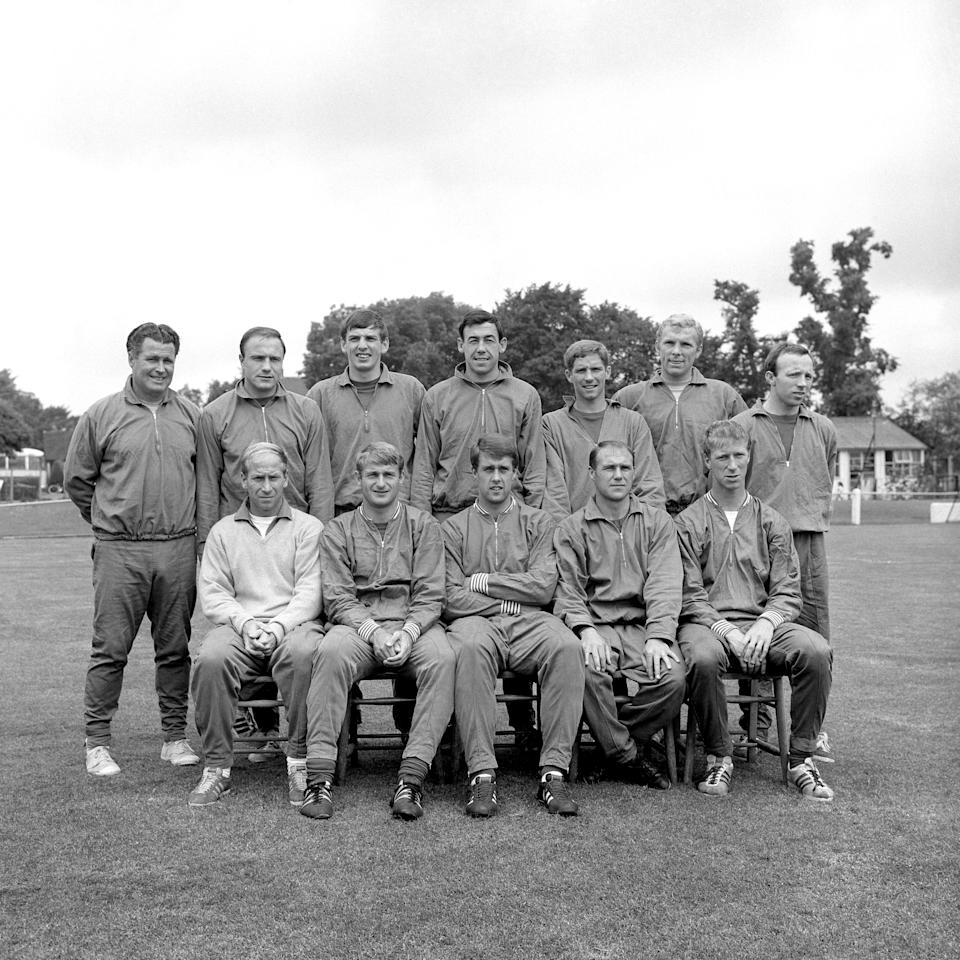 The England team to play Portugal in the World Cup semi final: (back row, l-r) trainer Harold Shepherdson, George Cohen, Martin Peters, Gordon Banks, Alan Ball, Bobby Moore, Nobby Stiles; (front row, l-r) Bobby Charlton, Roger Hunt, Geoff Hurst, Ray Wilson, Jack Charlton (Photo by PA Images via Getty Images)
