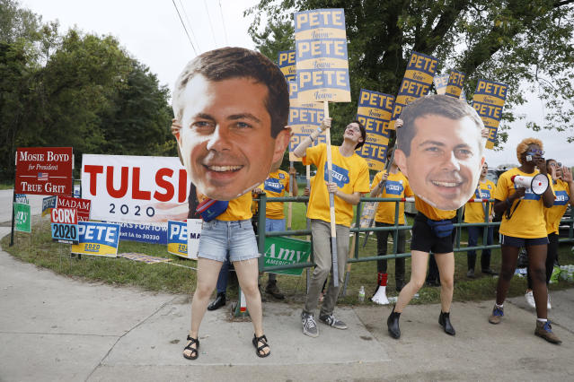 Buttigieg supporters hold a rally in Des Moines. (Photo: Charlie Neibergall/AP)